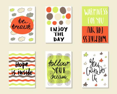 かわいい手描き落書きカード、ポストカード、勇敢である、さまざまな要素を含む引用符とカバーの日を楽しむ、希望は内部では、あなたの夢に従ってください、あなたはそれを行うことができます。印刷用テンプレート セット