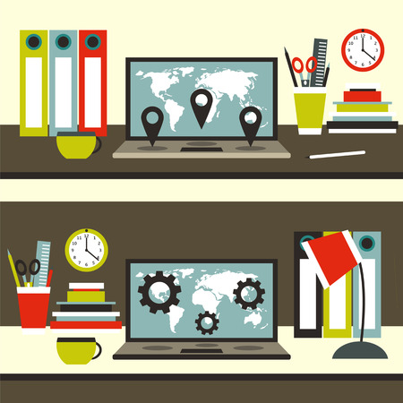 フラット スタイル作業スペース テーブル ノート パソコン、フォルダー、コーヒー、鉛筆、本、壁時計、ペン、はさみ、ランプ、定規のカップ。