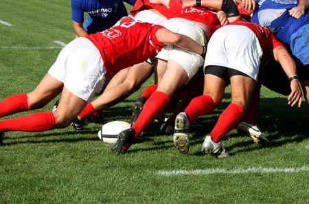 rugby player: rugby mélée