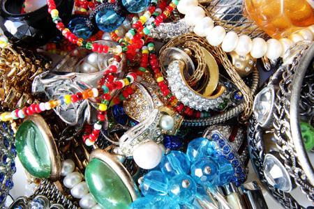 feminine accessory set