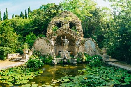 Trsteno 樹木園の噴水ネプチューン、ドゥブロヴニク、クロアチア