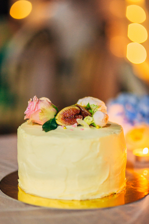 Wedding cake rustic style. Wedding in Montenegro Фото со стока - 87128639