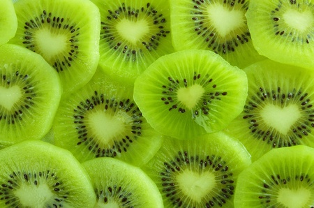 juicy kiwi, finely chopped, the core of heart-shaped