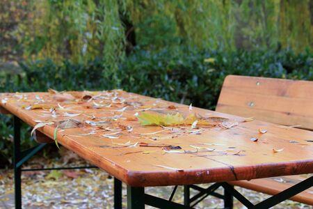 Der Biergarten im Herbst