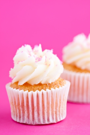 butter icing: cupcake