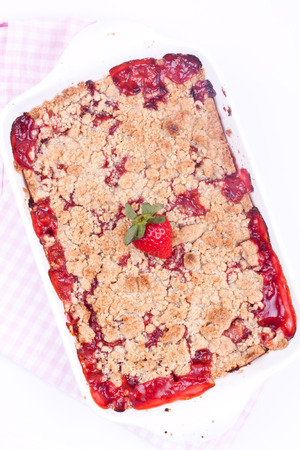 crumble: strawberry crumble
