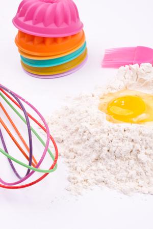egg whisk: flour, egg, whisk