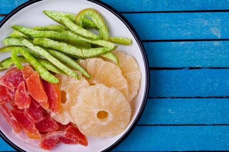 pummelo: dried papaya, pineapple and Pummelo