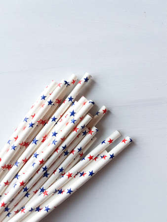 drinking straw: paper drinking straw