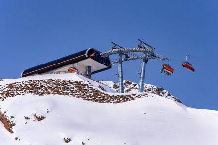 station ski: Chairlift top station in Solden, Alpine ski resort in Otztal Alps in Austria Stock Photo