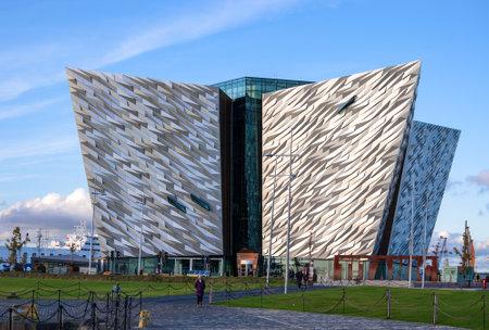 BELFAST, NORTHERN IRELAND, UK - OCTOBER 2, 2016: Titanic multimedia museum and visitors� information center in Belfast in sunset light. Publikacyjne