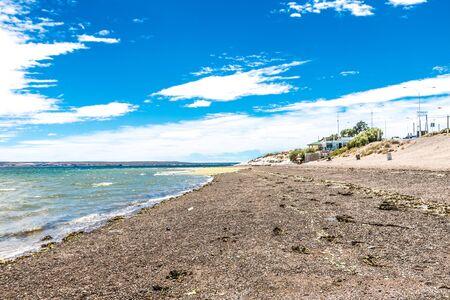 プエルトマドリンビーチ、太陽、波と砂、美しい日。 写真素材 - 94804566