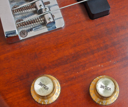 noise isolation: Bass guitar, musical instrument