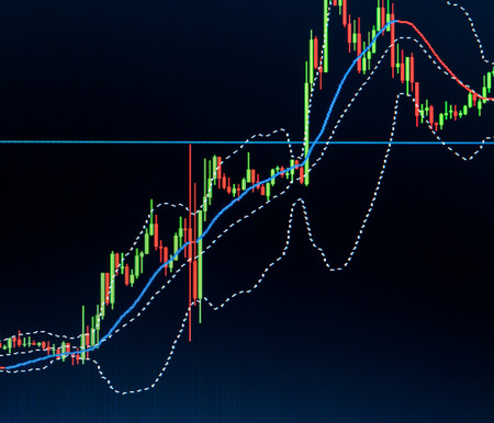 クローズ アップ マクロ キャンドル バー証券取引所取引チャート。モニターにストック ・ ダイヤグラムと背景。