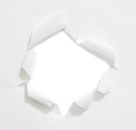 白地の紙に穴をリッピング