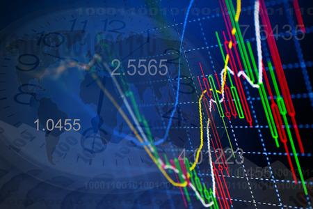 チャートとディスプレイ上の引用。株式市場の引用符を表示します。株式為替レート。利益チャートと図を獲得します。コンピューターの画面のラ 写真素材