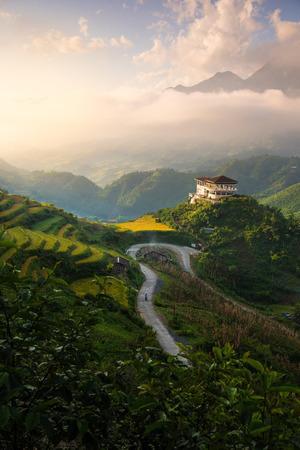 The landscape of Saigon: Ruộng lúa trên ruộng bậc thang trong hoàng hôn ở Sapa, Lào Cai, Việt Nam. Ruộng lúa chuẩn bị thu hoạch ở vùng Tây Bắc Việt Nam