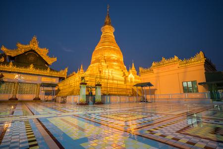 shin: Soon Oo Ponya Shin Pagoda , Sagaing, Mandalay
