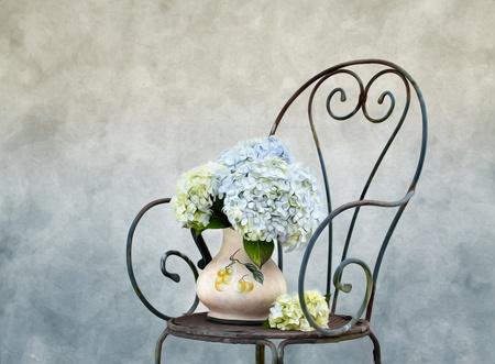 Illustration Nature morte avec fleurs Hortensia dans le style peinture à l'huile Banque d'images - 10418701