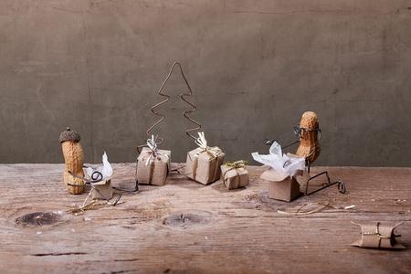 tinkered: En miniatura, con gente de man� en la Navidad de desempaquetar los regalos