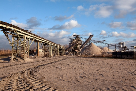 Tagebau und Aufbereitungsanlage für Schotter, Sand und Kies in den Straßen-und Bauindustrie verwendet werden