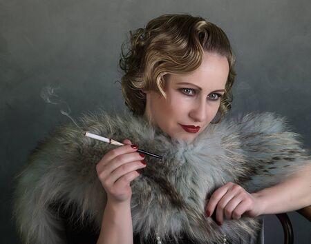 robo: Retrato de una mujer en la década de 1920 de estilo Foto de archivo