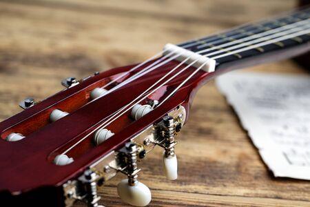 musica clasica: Cl�sica guitarra de cuerdas de nylon con partituras