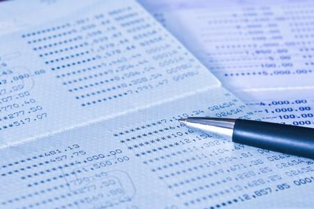 contabilidad financiera cuentas: Ahorro con libreta de dep�sitos de cuentas con un l�piz negro
