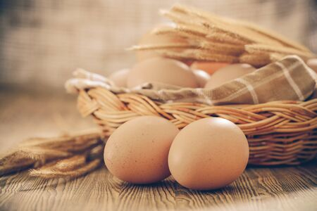 comidas saludables: Huevo en una cesta