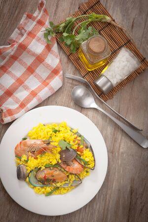 Paella tradizionale paella spagnolo frutti di mare Archivio Fotografico - 85637146