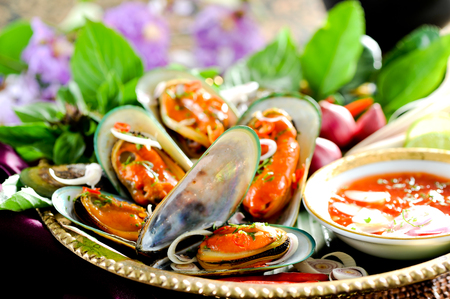 mussel: Asian style baked mussels with herbs