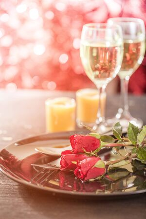 Valentine day with champagne and roses 스톡 콘텐츠