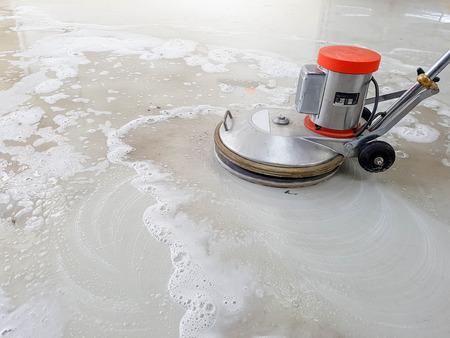 scrubber machine voor het reinigen en polijsten van de vloer Stockfoto