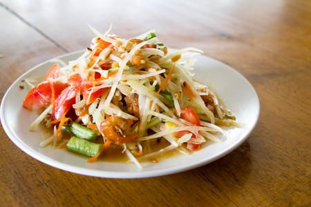 Som Tam : papaya salad, traditional Thai food Stock Photo