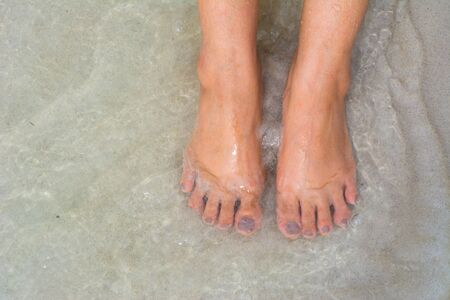 foots: foots on the sand