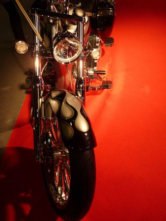 gunmetal: Custom Street Bikes on Display at Motorshow