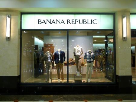 outlet store: Dubai - 3 MARCH 2011: Banana Republic Fashion retail store in Deira City Center, Dubai on 03.03.2011. Editorial