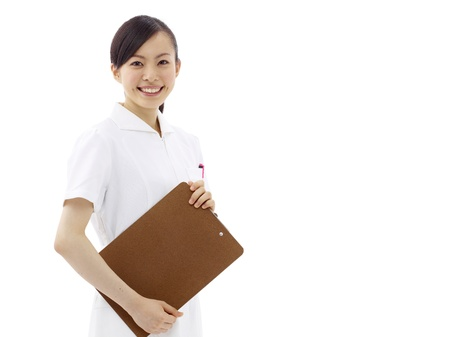 nursing treatment: Sonriente m�dico o enfermera. Aislado sobre fondo blanco