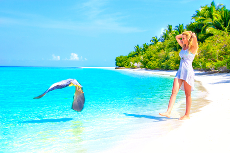 Escape the Dreamscape with beauty girl on Maldives 免版税图像 - 76653027