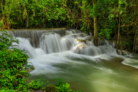 Huai-mae-kha-min waterfall, Beautiful waterwall in nationalpark of Kanchanaburi province, ThaiLand. Banco de Imagens
