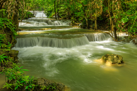 Huai-mae-kha-min waterfall, Beautiful waterwall in nationalpark of Kanchanaburi province, ThaiLand. Banco de Imagens - 92762826