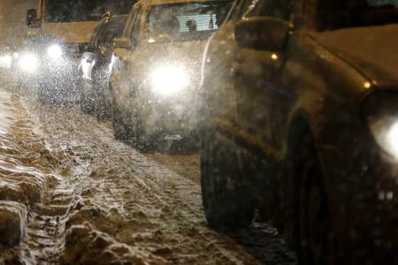 Traffic jam in heavy snow Banco de Imagens