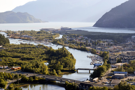 スカーミッシュ、ブリティッシュ ・ コロンビア、カナダのスコーミッシュ川の眺め。