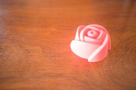 gelatina: Rose forma de impresi�n de gelatina en el fondo vintage, foto