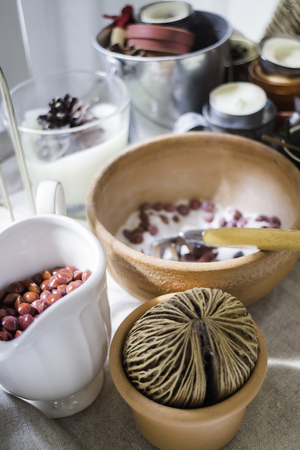 Seed and dry herbs room decoration, stock photo Standard-Bild