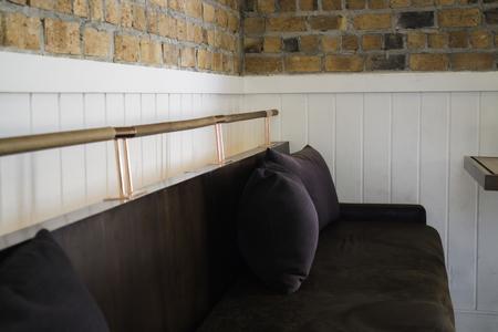 Vintage velvet long sofa in lobby, stock photo Standard-Bild - 95196304