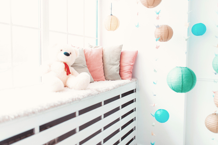 room decoration: Beautiful Chinese lanterns adorn the interior of the house