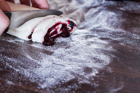 sickly: buns from yeast dough with jam prepared at home