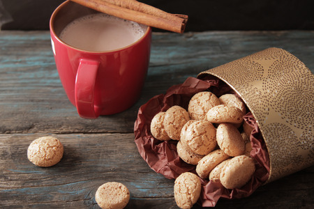 amaretto: cocoa with cinnamon and cookies ametarro Italian sweets Stock Photo