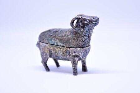 銀のヤギ 写真素材